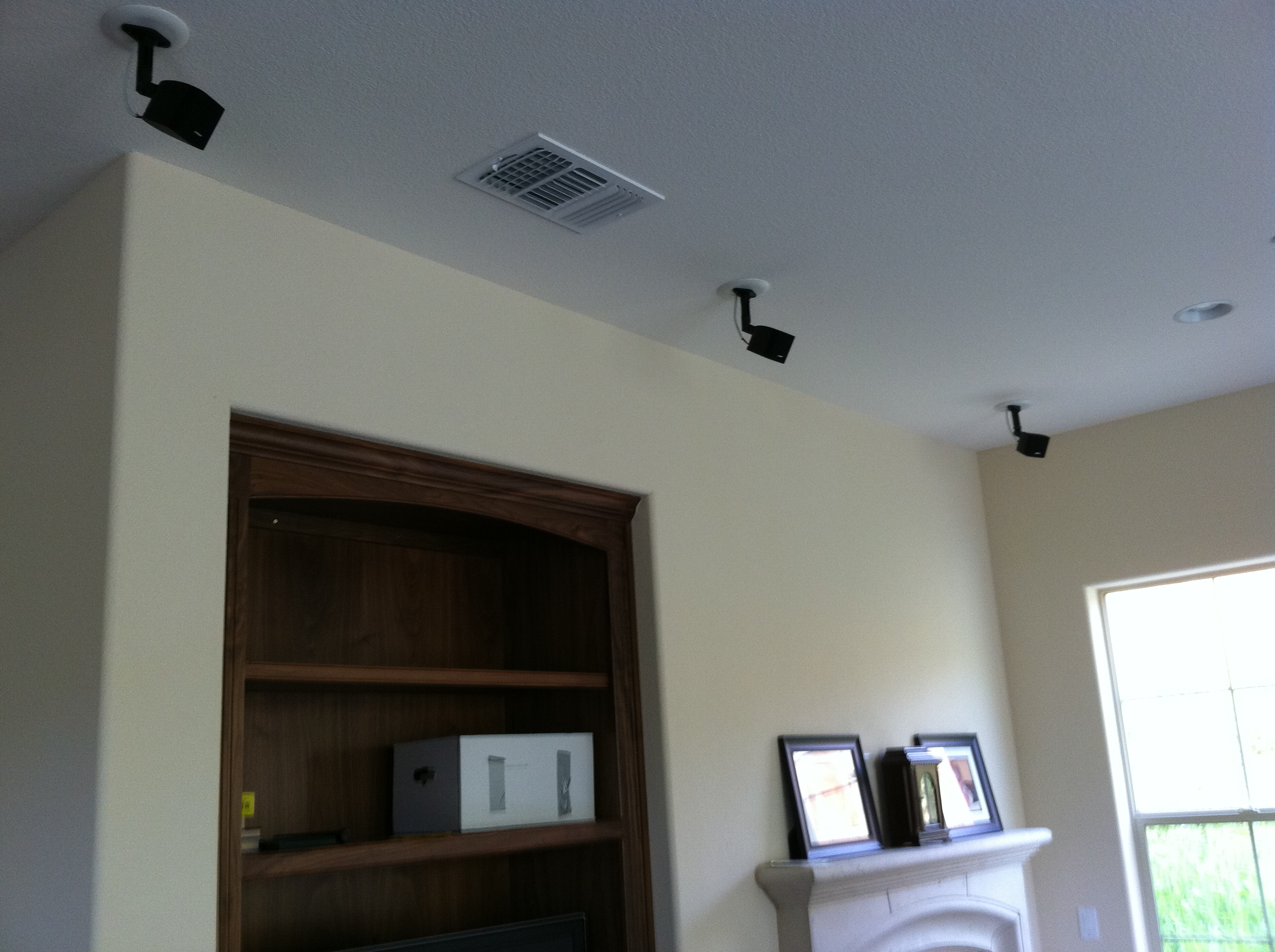 Bose Satellite Lifestyle Speakers Installed In Ceiling